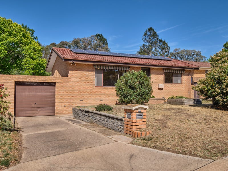 18 McCarthy Place, Charnwood, ACT 2615