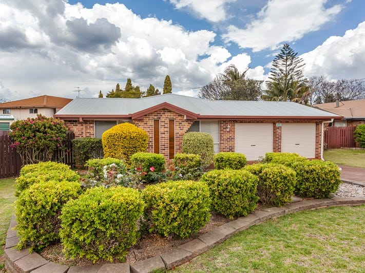 67 Jennifer Crescent, Darling Heights, Qld 4350