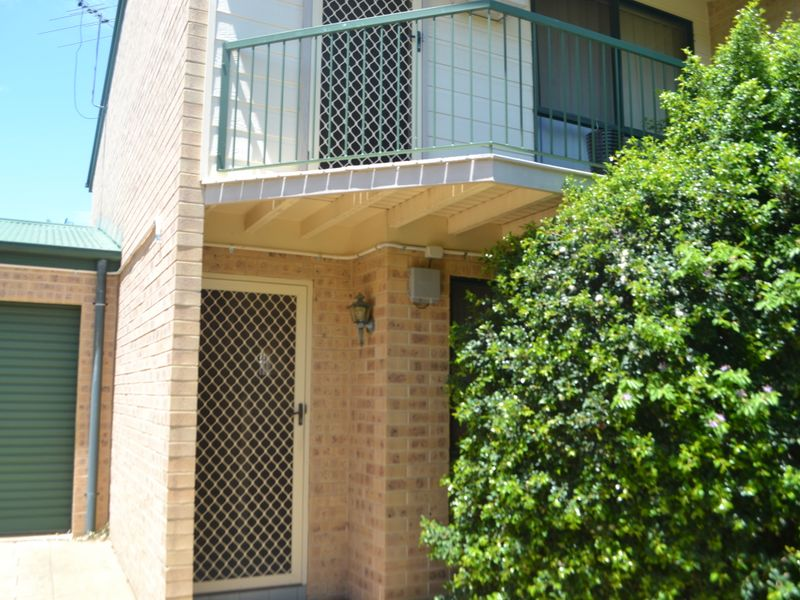 Unit 2/17 William Street, Bundamba, Qld 4304