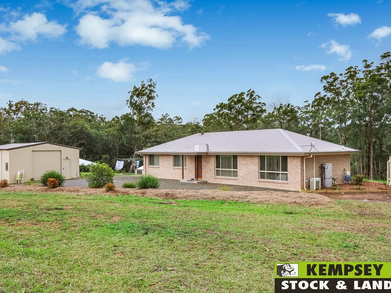 16 Bede Lawrence Crescent, Frederickton, NSW 2440