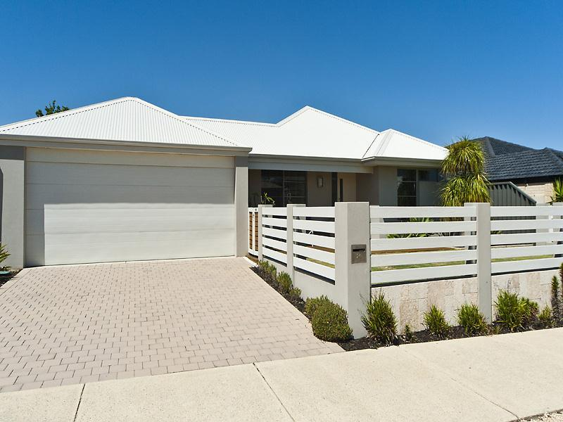 24 Salton Street, Secret Harbour, WA 6173