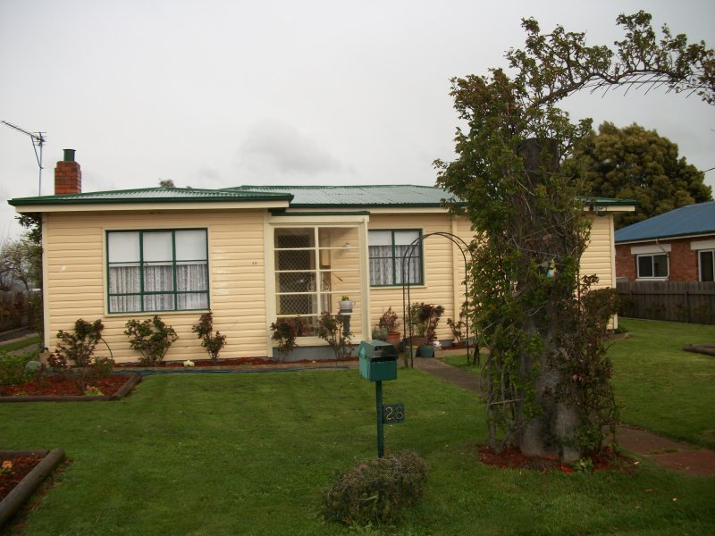 28 Pedder Street, Campbell Town, Tas 7210