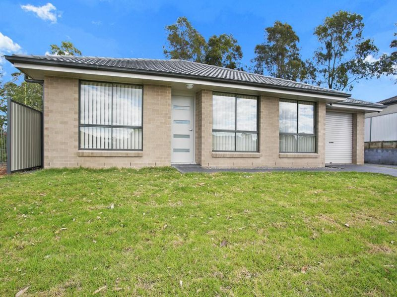 1/26 Nicolena Crescent, Rutherford, NSW 2320
