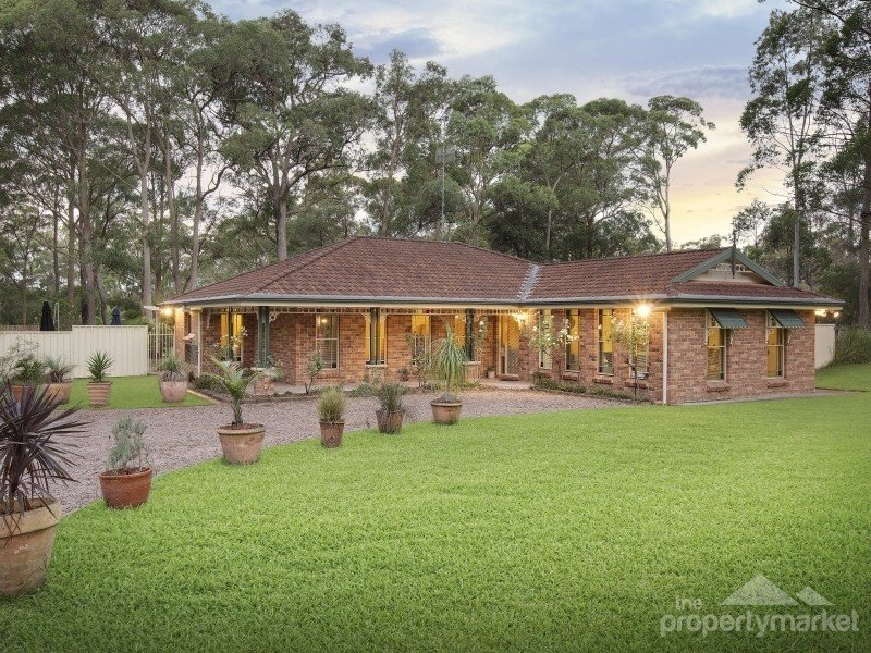 18 Holloway Drive, Jilliby, NSW 2259