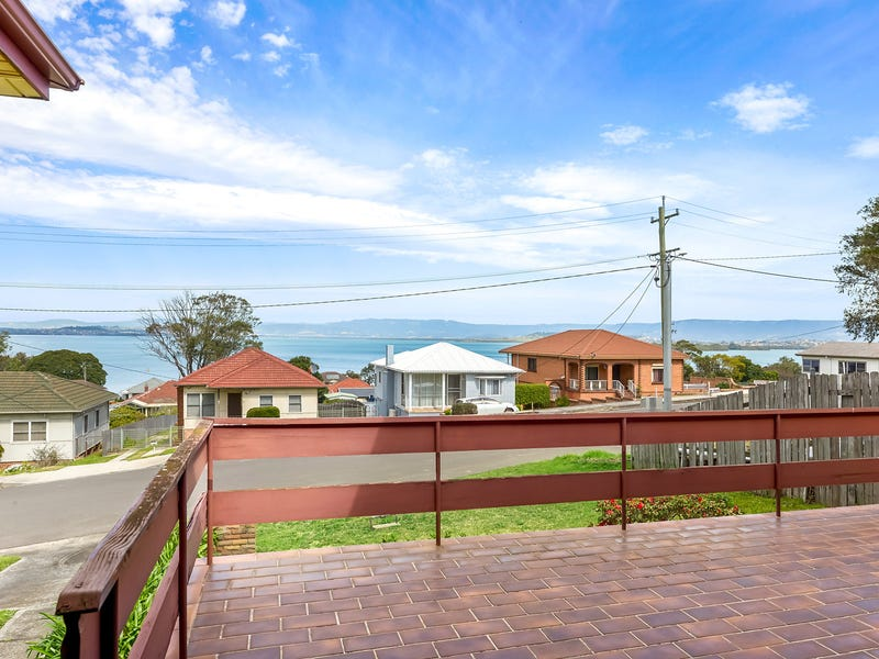 36 Grand View Parade, Lake Heights, NSW 2502