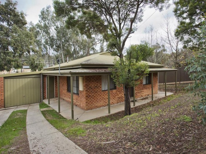 33 Specimen Hill Road, Golden Square, Vic 3555