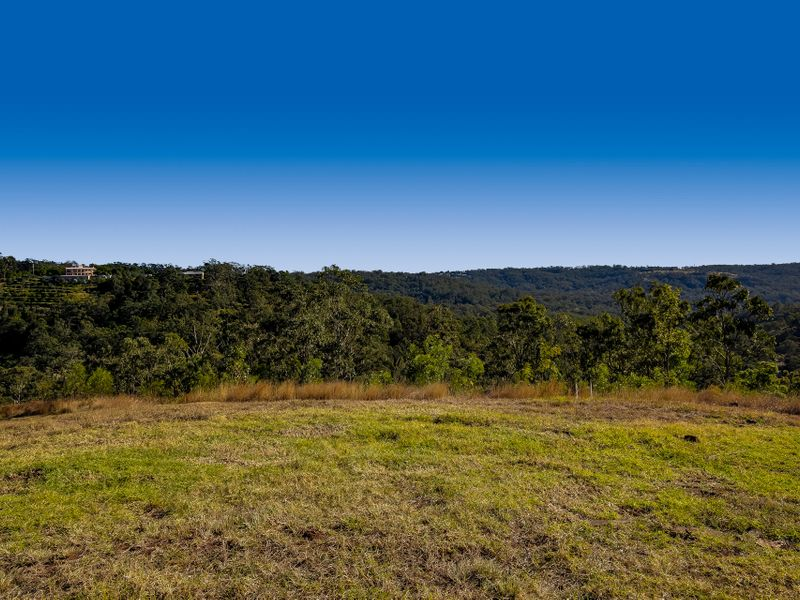 18 Keira Court, Blue Mountain Heights, Qld 4350