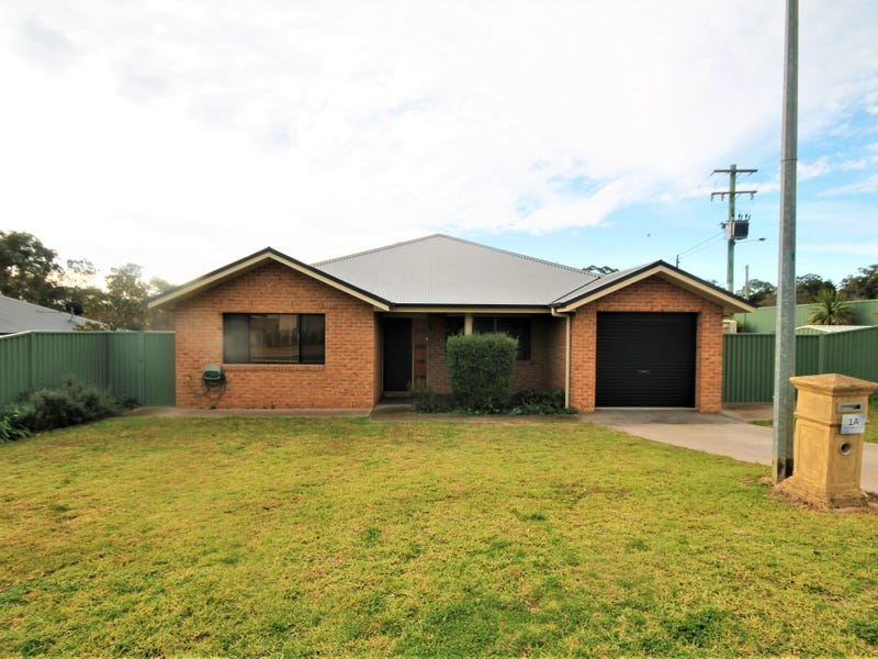 1A Jake Miller Place, Young, NSW 2594