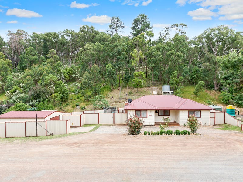 15 Long Gully Road, Flowerdale, Vic 3658