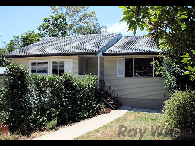 8 Tracey Street, Kenmore, Qld 4069