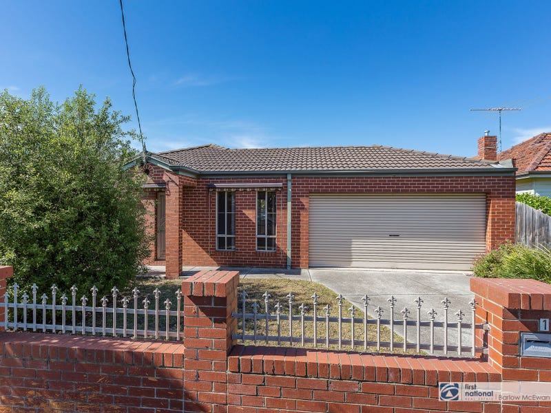 1/204 Civic Parade, Altona, Vic 3018