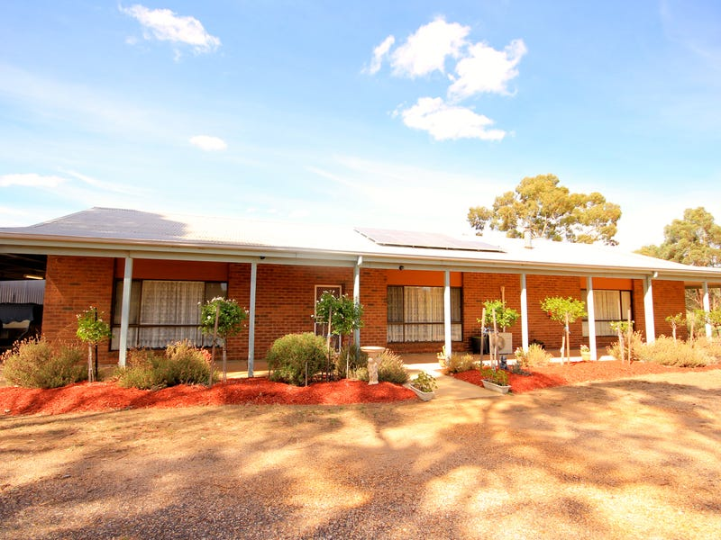 48 Churchill Court, Daisy Hill, Vic 3465