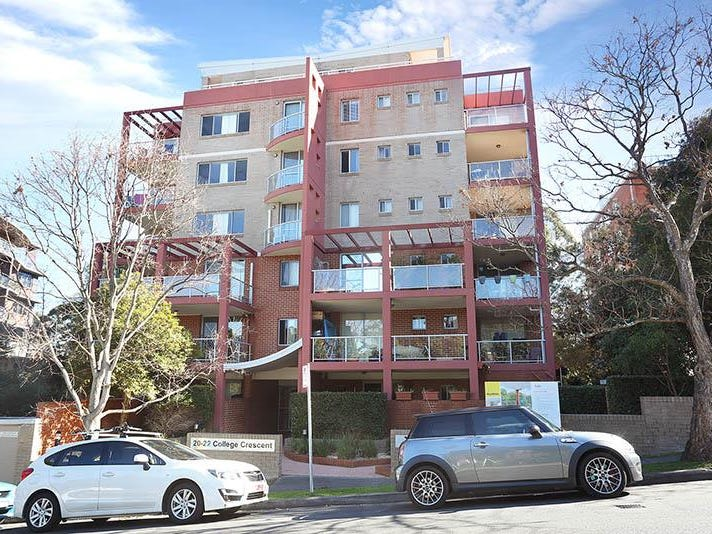 23/20 College Cres, Hornsby