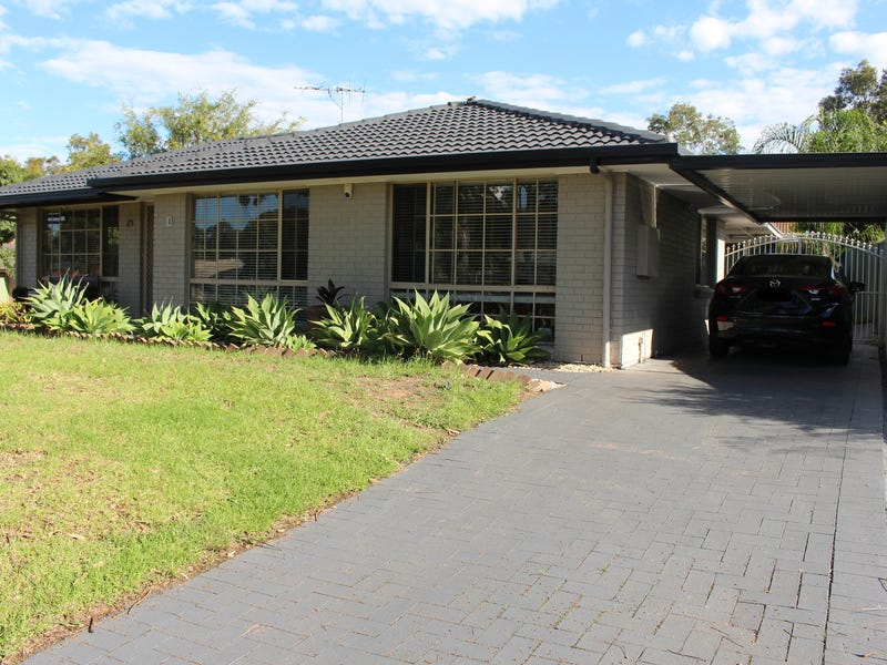 1 Manning Pl, Currans Hill, NSW 2567