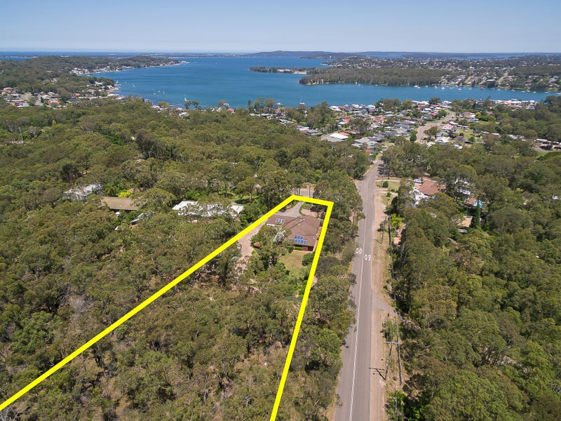 1 Lakeview Road, Kilaben Bay