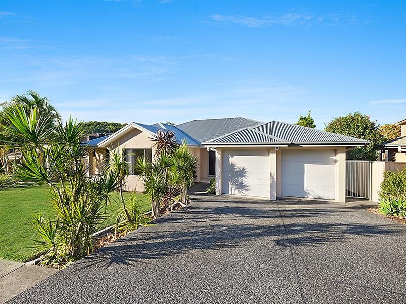 25 Pebble Beach Court, Belmont, NSW 2280