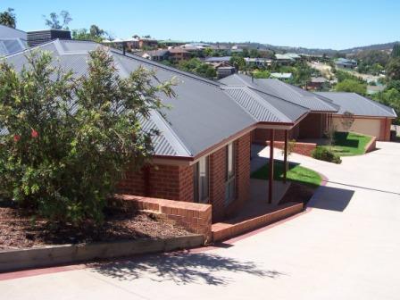 1-3/406 Halehaven Crescent, Lavington, NSW 2641