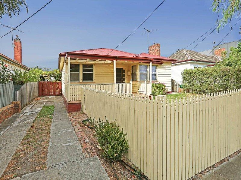 13  Clonard Avenue, Geelong West, Vic 3218