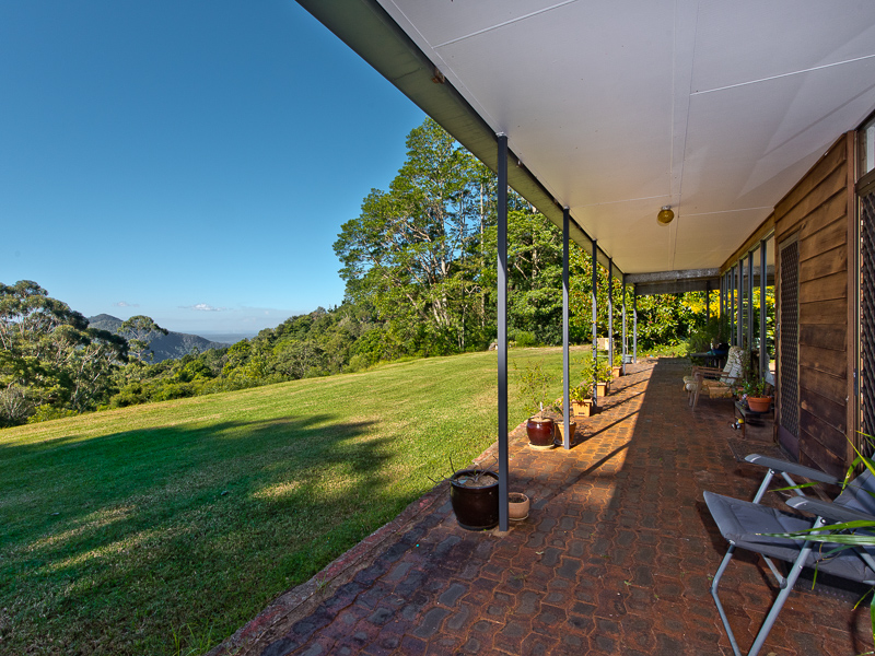 16 Lindsay Rd, Mount Glorious, Qld 4520
