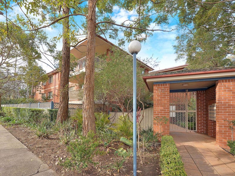 2/92 Hunter St, Hornsby, NSW 2077