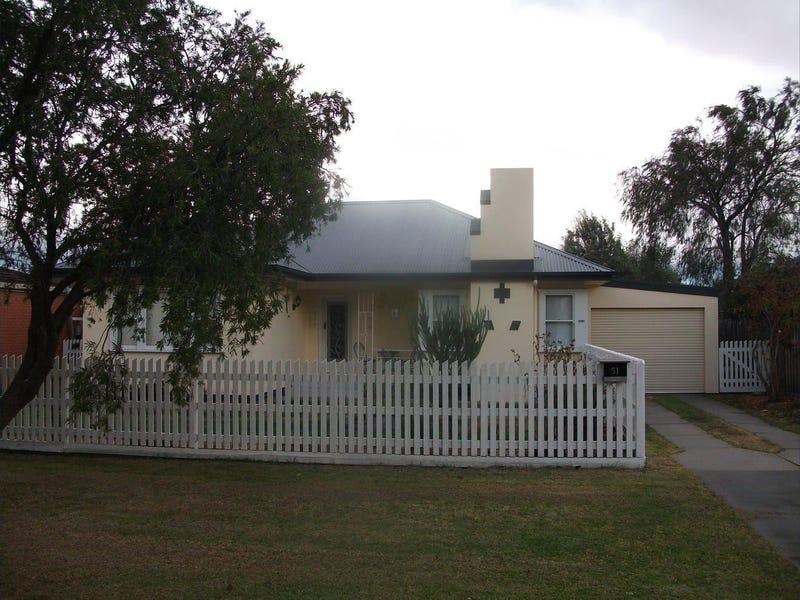 51 Pinnock Street, Bairnsdale, Vic 3875