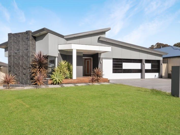11 Barbata Grove, South Nowra, NSW 2541