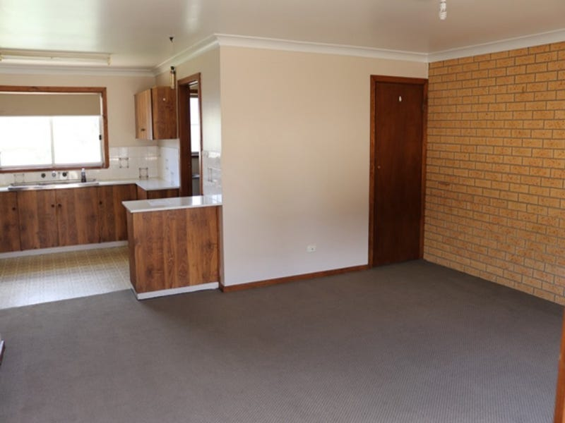 4/36 BLACKETT AVE, Young, NSW 2594