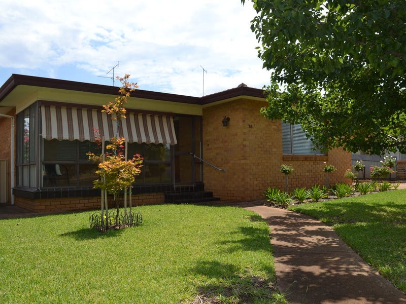 16 Brown Street, West Wyalong, NSW 2671