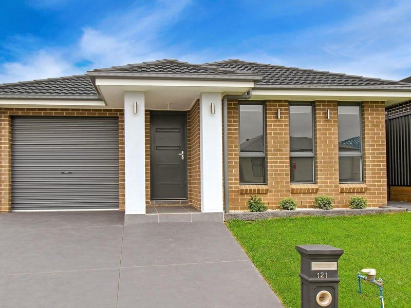121 Donovan Boulevard, Gregory Hills, NSW 2557