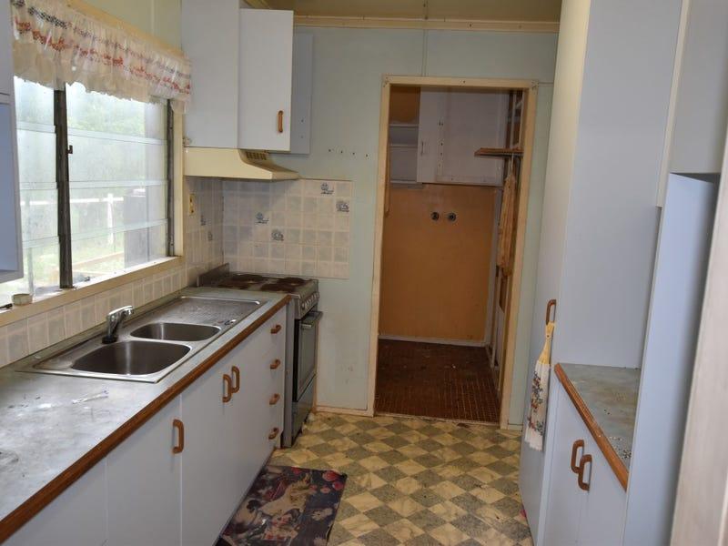 23 Paterson, West Gladstone, Qld 4680