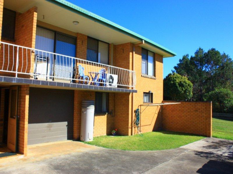 1/2 Bowra Street, Urunga, NSW 2455
