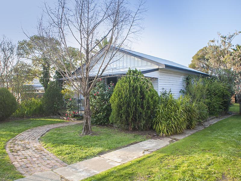 20 BOW STREET, Corowa, NSW 2646