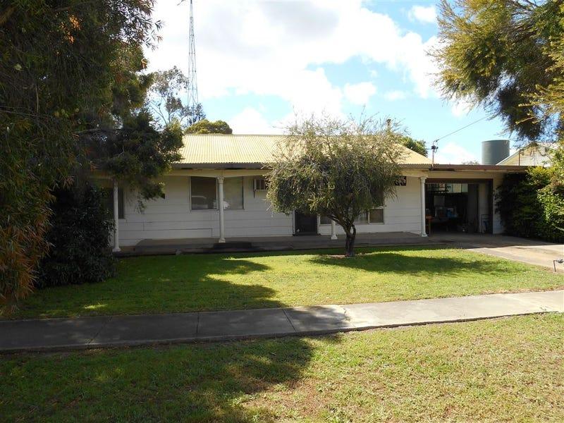 225 Edward St, Hay, NSW 2711