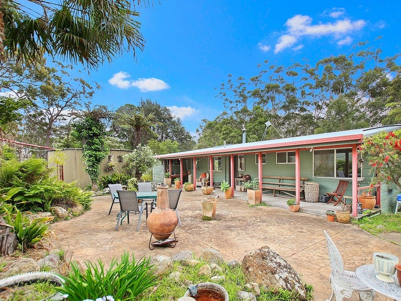 63 Barron Road, Falls Creek, NSW 2540