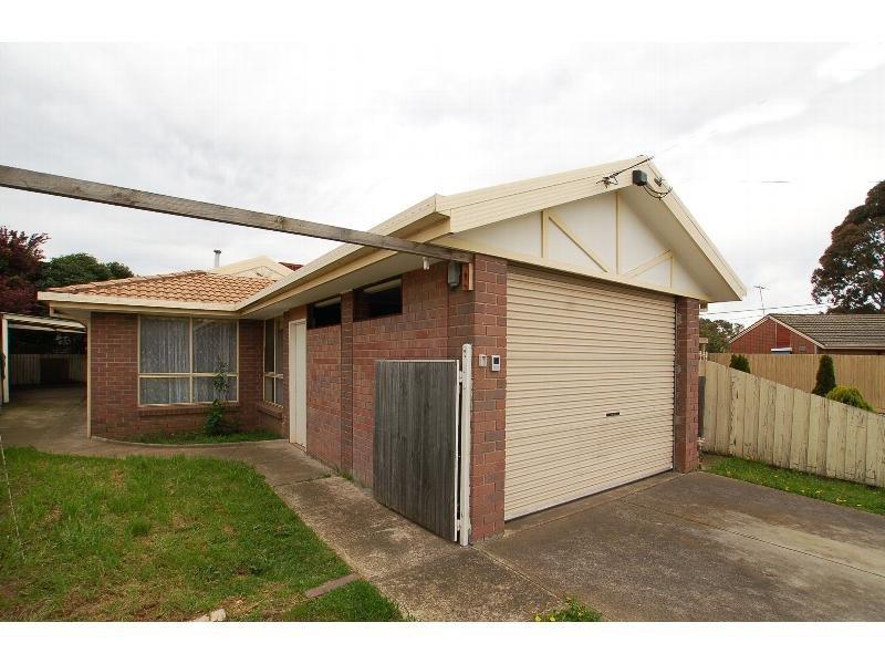 2/5 Lovat Court, Coolaroo, Vic 3048