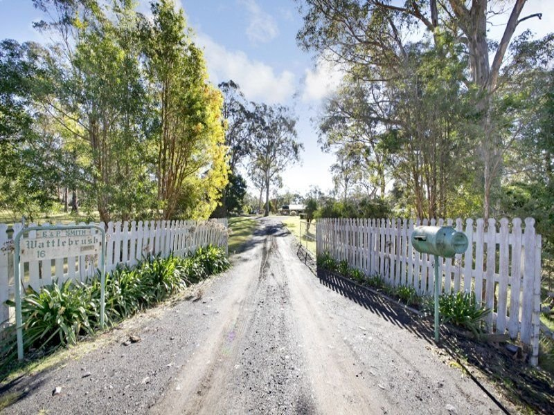 16 Elizabeth Way, Hill Top, NSW 2575