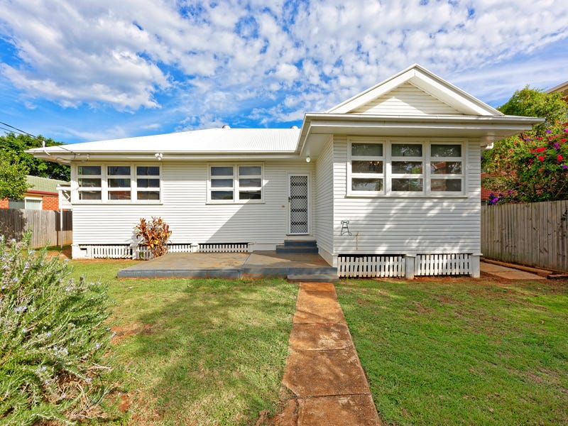 85 King Street, Woody Point, Qld 4019