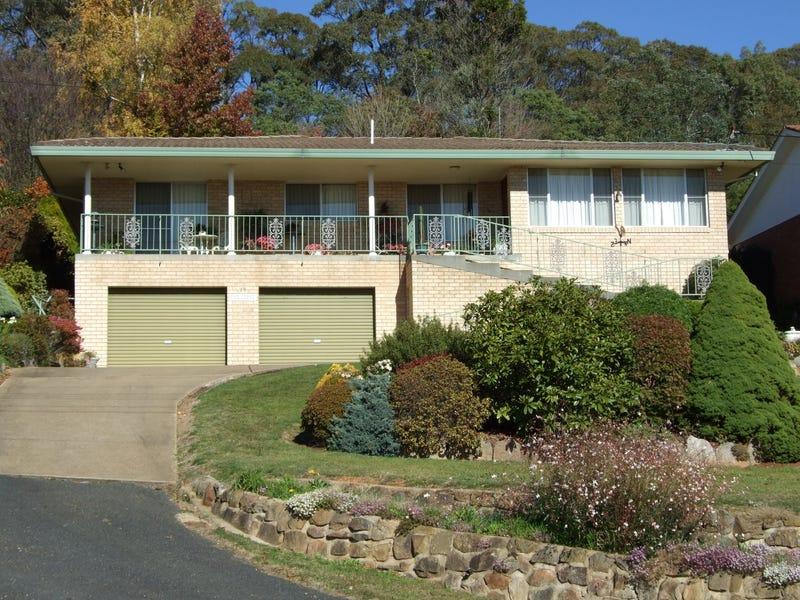 18 Jenolan Street, Oberon, NSW 2787