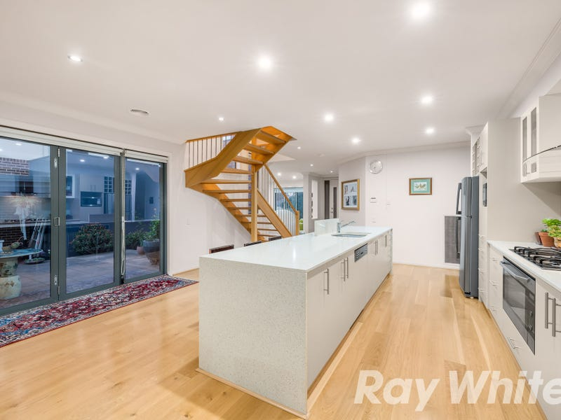 2 Woolcock Close, Burwood