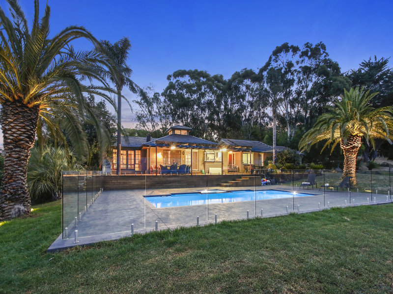 120 Holden Road, Wandin East, Vic 3139