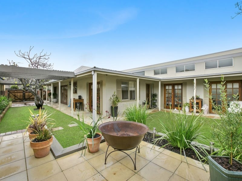 8 Raglan Street, Mornington, Vic 3931