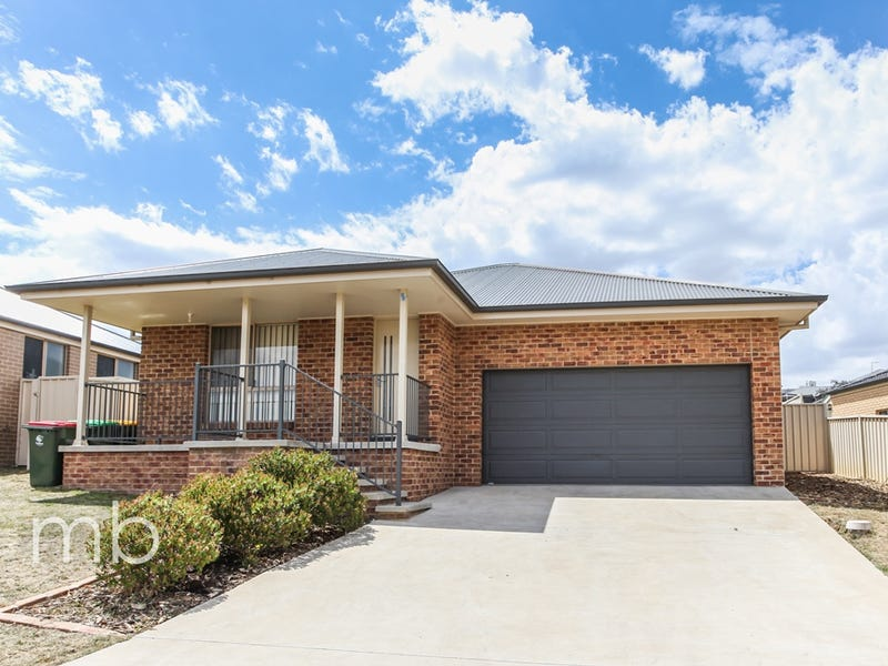 28 Holman Way, Orange, NSW 2800