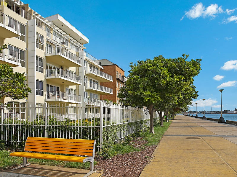 33/304 Wharf Road, Newcastle, NSW 2300