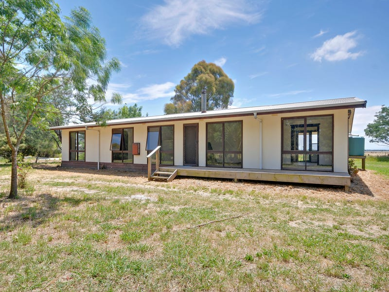 312 Lower Cairnbrook Road, Glengarry, Vic 3854