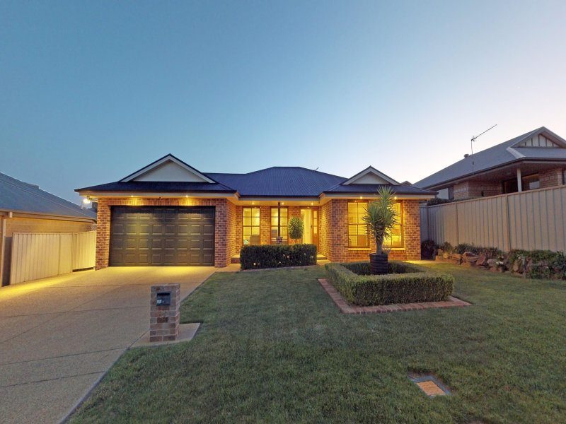 2 Monaro Court, Tatton, NSW 2650