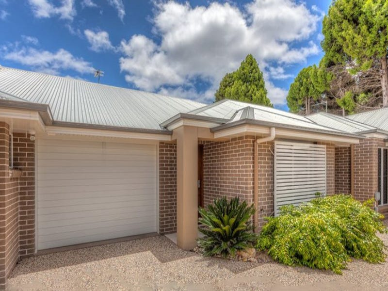 2/6 View Street, South Toowoomba, Qld 4350