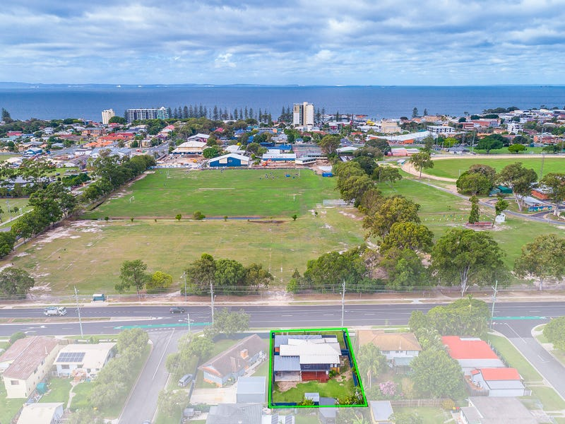 31 Scarborough Road, Redcliffe