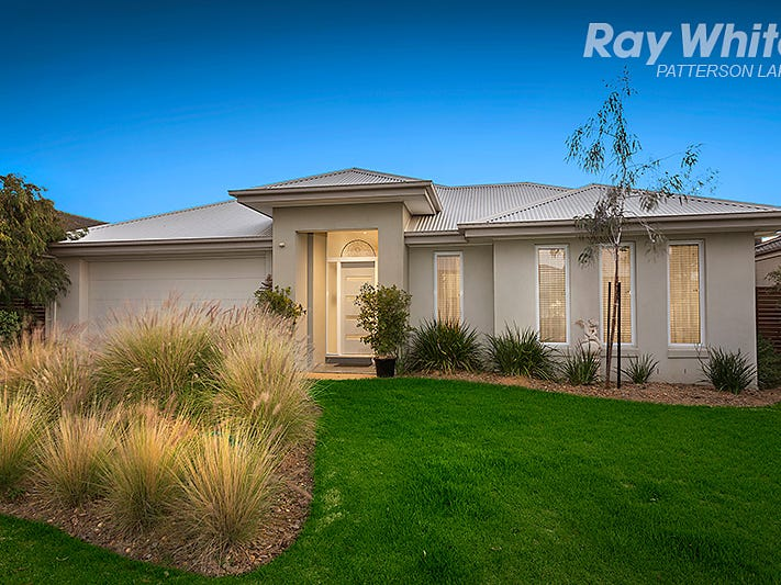16 Binglebay Avenue, Waterways, Vic 3195