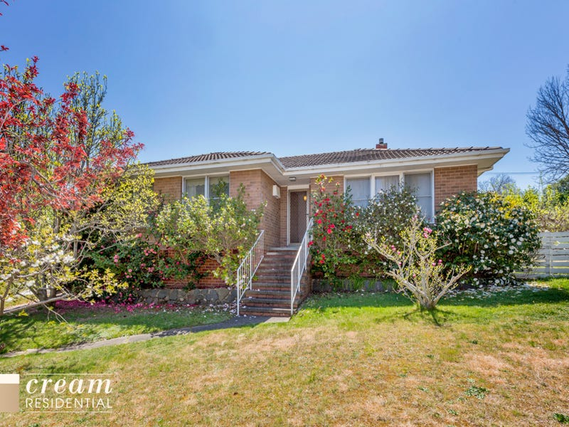 7 Higgs Place, Hughes, ACT 2605