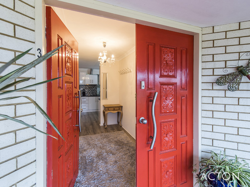3 Brigadoon Close, Halls Head, WA 6210